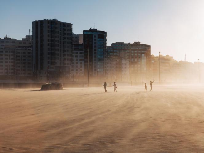 Les nouvelles habitations. Tanger, juin 2016 pendant l'heure du ftour.