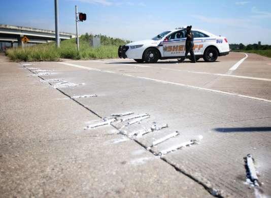 Après deux explosions à l'usine chimique d'Arkema à Crosby, au nord-est de Houston, la police a fermé l'autoroute qui longe le site,le 31 août.