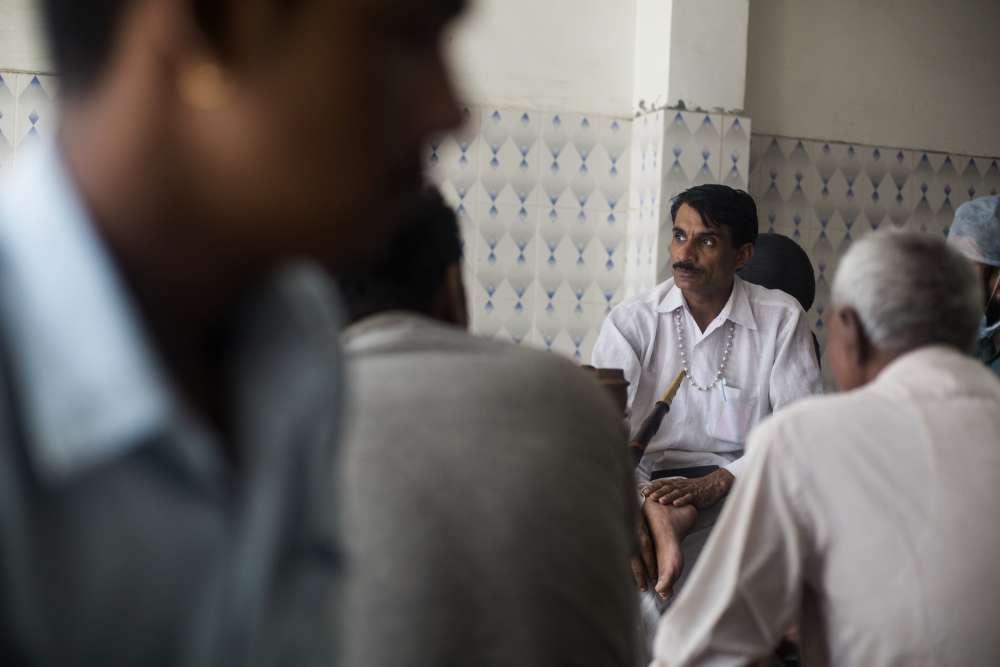 L'urine de vache contiendrait de l'or, à en croire Anand Kumar: «Vous n'avez jamais remarqué que le lait de la vache indienne est légèrement jaunâtre?»