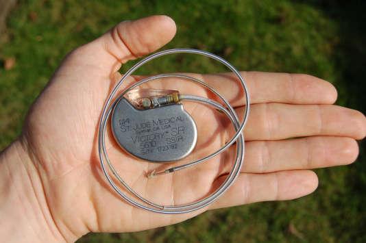 Un pacemaker de l'entreprise St Jude Medical.