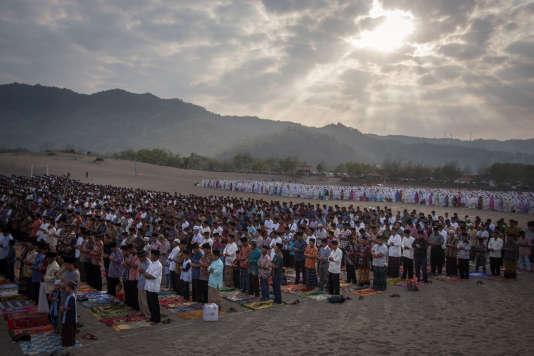 Les musulmans célèbrent à partir de vendredi l'Aïd el-Kébir, comme, sur cette image, àGumuk Pasir Parangkusumo, en Indonésie.