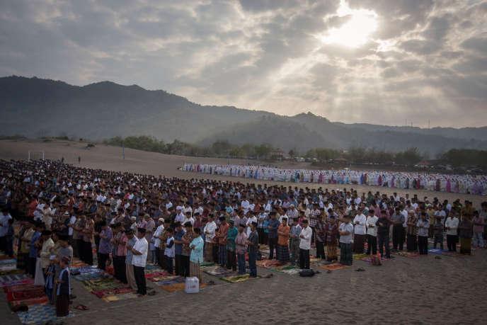 Les musulmans célèbrent à partir de vendredi l'Aïd-el-Kébir, comme, sur cette image, à Gumuk Pasir Parangkusumo, en Indonésie.