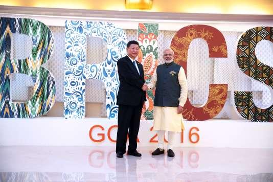 Xi Jinping, le président chinois, et Narendra Modi, le premier ministre indien, le 16 octobre 2016 à Goa, en Inde.