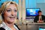 Marine Le Pen et Jean-Luc Mélenchon lors d'un débat sur le plateau de France3 Nord-Pas-de-Calais avant les législatives, le 2 juin 2012.
