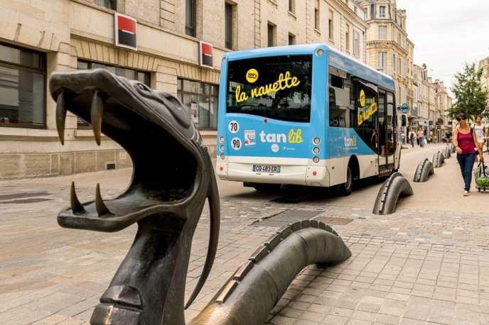 En septembre 2017, Niort est devenue la plus grosse agglomération à proposer la gratuité de ses transports en commun.