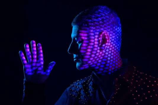 Etienne Daho a dévoilé vendredi 1er septembre, « Les Flocons de l'été»,le premier titre de son nouvel album.