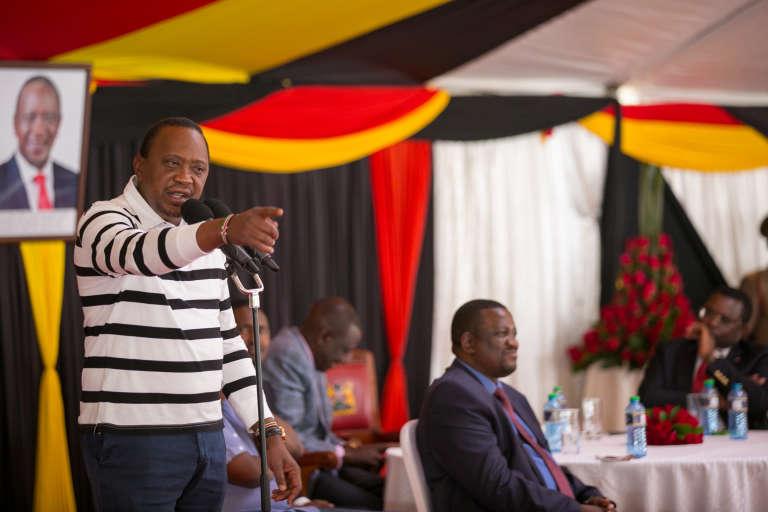 Le président kényan Uhuru Kenyatta s'adresse aux gouverneurs et membres du Sénatà Nairobi le 2 septembre 2017.