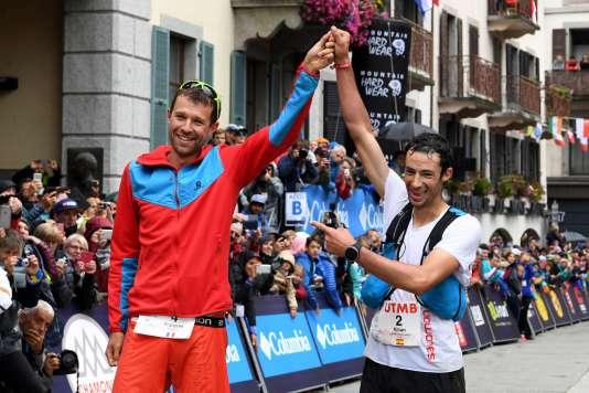 Francois d'Haene et Kilian Jornet à l'arrivée de l'ultra-trail du Mont-Blanc, le 2septembre.