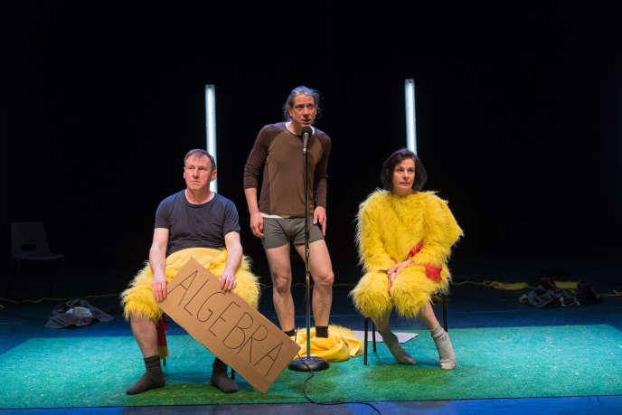Le groupe britannique Forced Entertainment, dans leur spectacle « Real Magic».