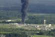Un panache de fumée noire s'élève depuis l'usine chimique Arkema, à Crosby, près de Houston, le 1er septembre.