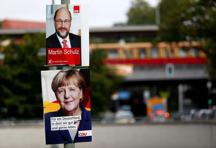 Affiches de campagnes des candidats Angela Merkel et Martin Schulz, à Berlin (Allemagne), le 21 août.