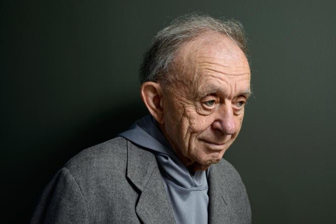Le cinéaste Frederick Wiseman lors du Festival international du film de Toronto, en septembre 2013.