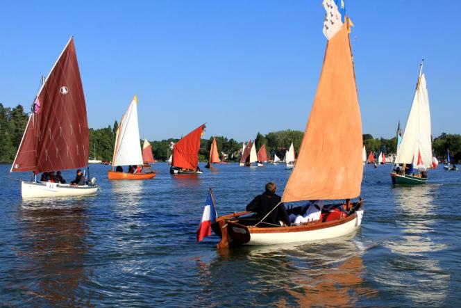Deux cents bateaux anciens ont descendu l'Erdre pendant le festival.