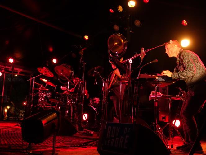 Médéric Collignon avec les membres de la formation free-jazz Wax'in.