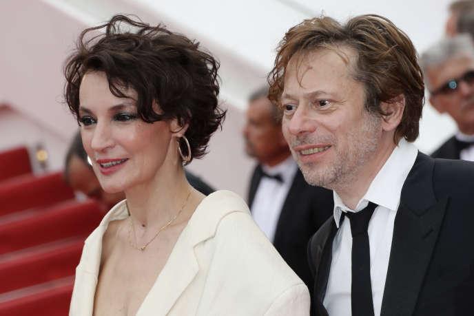 L'actrice Jeanne Balibar et le réalisateur Mathieu Amalric lors du 70e Festival de Cannes, le 18 mai 2017.