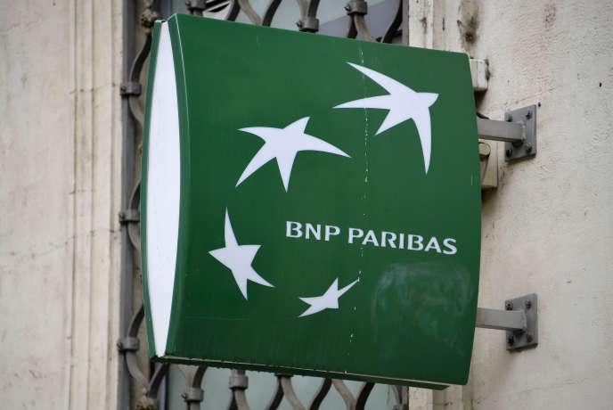 La filiale à 100 % de BNP Paribas est accusée d'avoir dissimulé les risques de ses prêts en francs suisses Helvet Immo vendus en 2008-2009, au détriment de plus de 4600 emprunteurs.