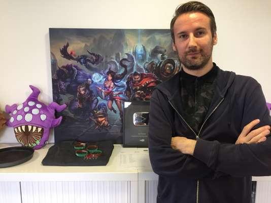 Guillaume Rambourg dans les locaux parisiens de Riot Games, en juillet.