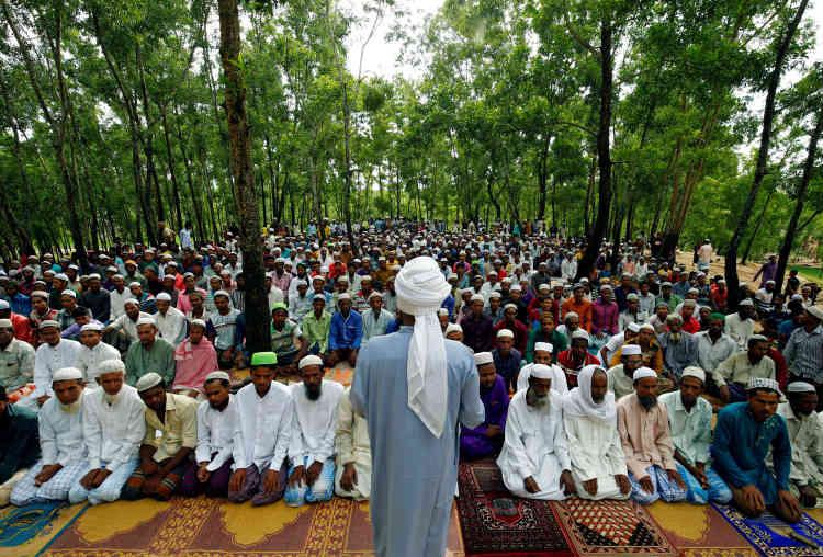 Prière pour la fête musulmane de l'Aïd el-Adha, dans un camp de migrants à Cox's Bazar au Bangladesh, le 2 septembre.