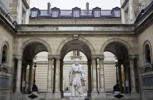 Vue du Collège de France, à Paris, l'une des composantes de Paris sciences et lettres, qui termine 72e du palmarès mondial des universités THE 2018.