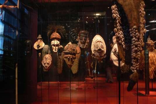L'une des salles d'exposition du Musée du quai Branly-Jacques Chirac à Paris.
