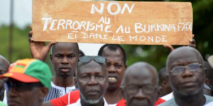 Le 19 août 2017, manifestation à Ouagadougou contre le terrorisme après l'attaqsue d'un restaurant halal Aziz Istanbul, le 13 août qui a fait 19 victimes.