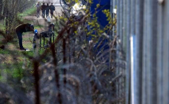 A la frontière entre la Hongrie et la Serbie, en avril.