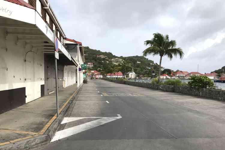 A Saint-Barthélemy, le 5 septembre.La ministre des outre-mer, Annick Girardin, a exprimé mercredi la «plus forte inquiétude» du gouvernement pour ces deux îles, où environ 7 000 personnes ont refusé de se mettre à l'abri.