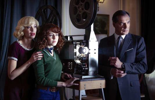 Elodie Frenck, Blandine Bellavoir et Samuel Labarthe dans«Les Petits Meurtres d'Agatha Christie».