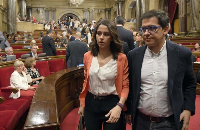 Inés Arrimadas, du parti Ciudadanos, ici au Parlement catalan, a été la cible d'insultes et d'inciation au viol sur Facebook.