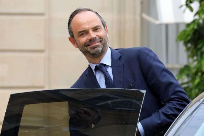 «Le premier ministre affirme préférer«la formation plutôt que les contrats aidés ». Ces deux priorités sont pourtant nécessaires et complémentaires.» (Photo: Edouard Philippe à l'Elysée, le 6 septembre).