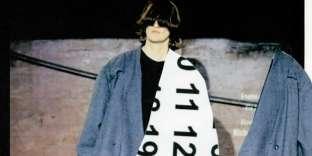 Collage d'après la collectionprêt-à-porter automne-hiver 2000-2001.