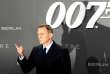 «Disponible depuis deux ans, la franchise James Bond est à prendre (elle appartenait à Sony Pictures), moyennant un chèque compris entre 2,5 et 5milliards de dollars» (Daniel Craig, interprète de James Bond, à Berlin,le 28 octobre 2015).