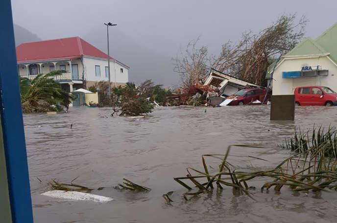 L'île Saint-Martin, dévastée après le passage de l'ouragan Irma, jeudi 7 septembre.
