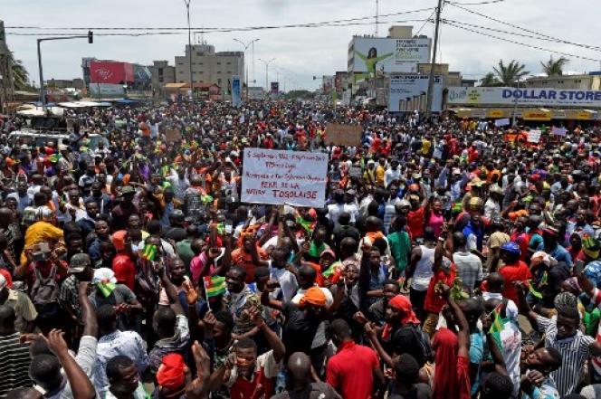 Au moins 100000 manifestants, selon Amnesty International, ont défilé dans les rues de la capitale togolaise, Lomé, le 6 septembre 2017.
