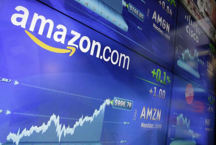 L'action Amazon frôle les 1 000 dollars à Wall Street. La capitalisation boursière du géant du commerce en ligne s'élève à 470 milliards de dollars.