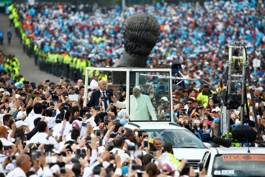 La messe au parc Simon Bolivar de la capitale Bogota a rassemblé un million de fidèles.