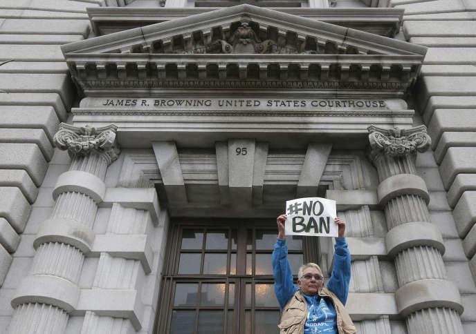 Devant la cour d'appel fédérale pour le 9e circuit, à San Francisco, le 7 février.