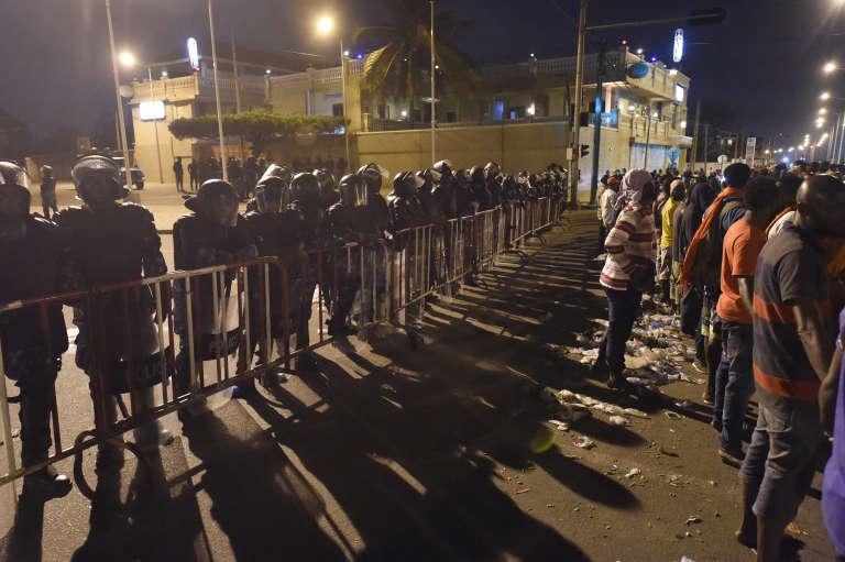 Le rassemblement du 7 septembre 2017 à Lomé s'est poursuivi jusque tard dans la nuit avant d'être dispersé par la police. Les manifestants réclament des réformes constitutionnelles et le départ du président Faure Gnassingbé, au pouvoir depuis douze ans.