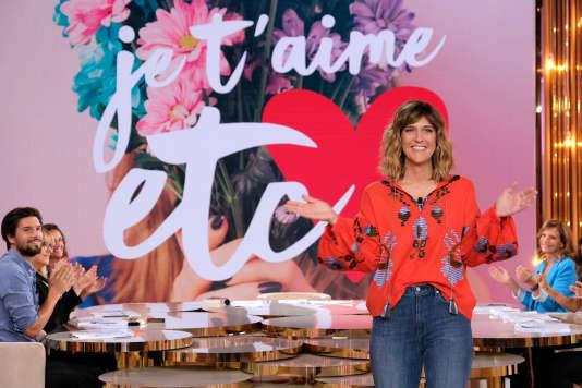 La présentatrice Daphné Bürki présente la nouvelle émission «Je t'aime, etc.» sur France 2.