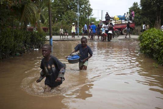 Dans les rue de Fort-Liberte, en Haïti, vendredi 8 septembre.