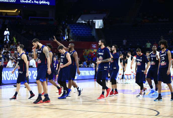 L'équipe de France après son élimination de l'Euro de basket, le 9 septembre 2017 à Istanbul.