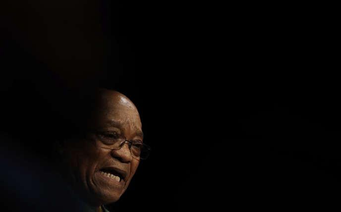 Le président sud-africain Jacob Zuma a été mis en cause tout au long de sa carrière politique dans de nombreux scandales qui ont terni sa réputation.