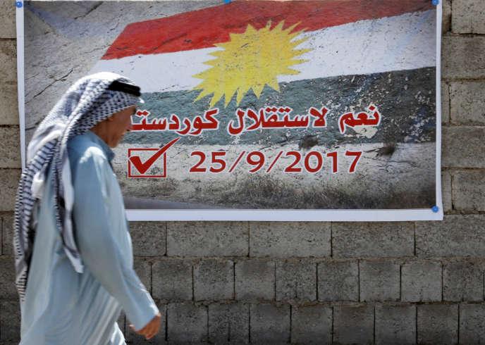 Une affiche sur laquelle on peut lire « Oui à l'indépendance du Kurdistan» dans une rue de Kirkouk, en Irak, le 10 septembre 2017.