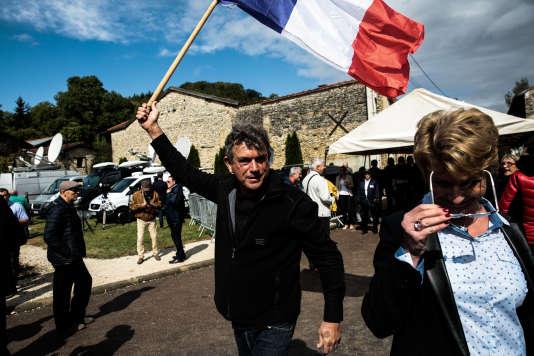 Militants du Front national lors de la rentrée politique de Marine Le Pen à Brachay, le 9 septembre.