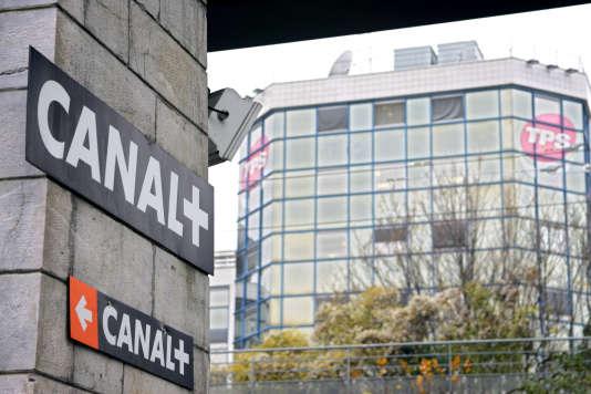Le siège de la chaîne Canal+, à Issy-les-Moulineaux (Hauts-de-Seine), en décembre 2005.