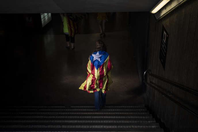 Le chef du gouvernement espagnoles, Mariano Rajoy, accentue les pressions sur les autorités catalanes afin de les empêcher d'organiser une consultation référendaire le 1er octobre.