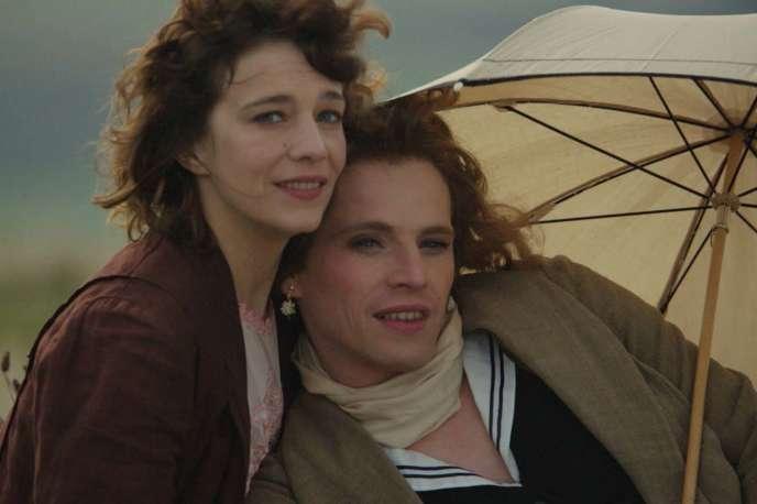 Céline Sallette et Pierre Deladonchamps dans« Nos années folles», d'André Téchiné.