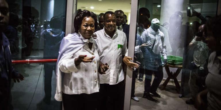 Le président congolais, Denis Sassou-Nguesso, et son épouse, Antoinette, le 24 mars 2016 à Brazzaville.