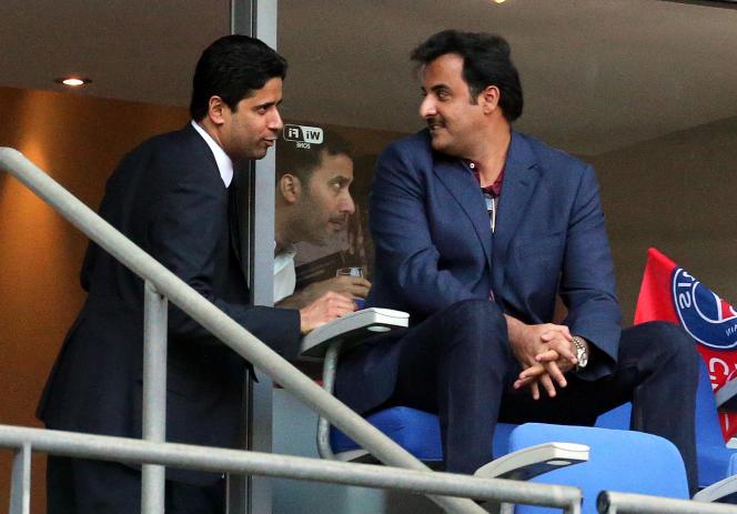 Le président du PSG, Nasser Al-Khelaïfi, avec l'émir du Qatar,Tamim Benn Hamad Al-Thani, le 30 mai 2015 au Stade de France (Saint-Denis).