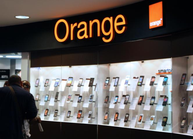 Une boutique Orange à Paris, en juillet 2012.